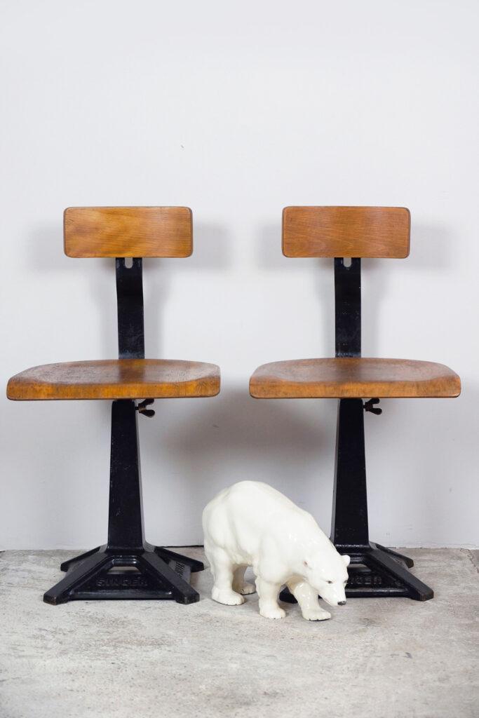 Paar SINGER Fabrikstühle / Nähmaschinenstühle / Sewing Chairs, USA um 1900/1920!