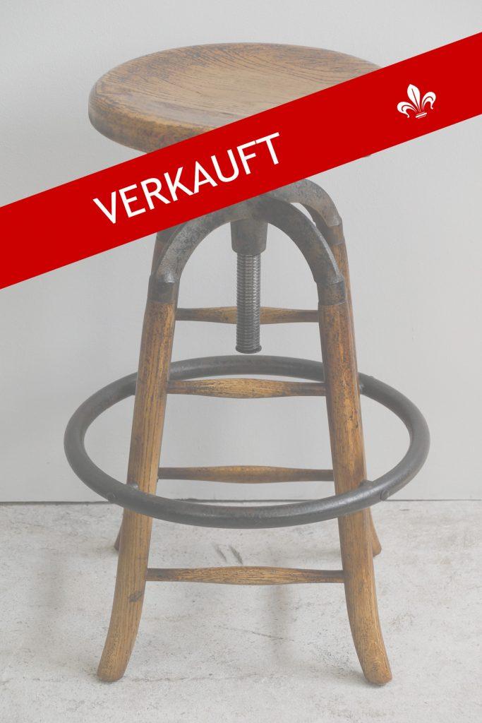 1 von 2: Höhenverstellbarer Barhocker / Atelierhocker im Vintage-Style der 30er Jahre