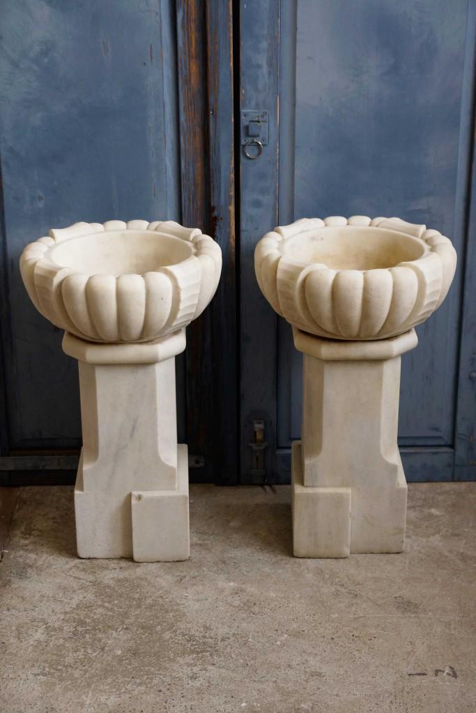 Paar Marmorsäulen / Wasserbecken / Zierschalen aus Belgien, Art Deco um 1920