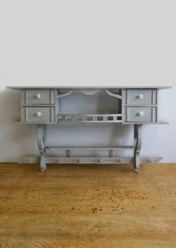 Großes gebauchtes Küchenwandboard / Wandregal um 1900