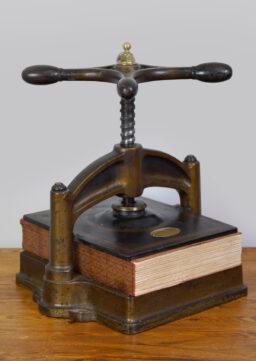 Belgische Buchpresse / Spindelpresse, Papeterie Auguste Godenne, Namur, 1920s