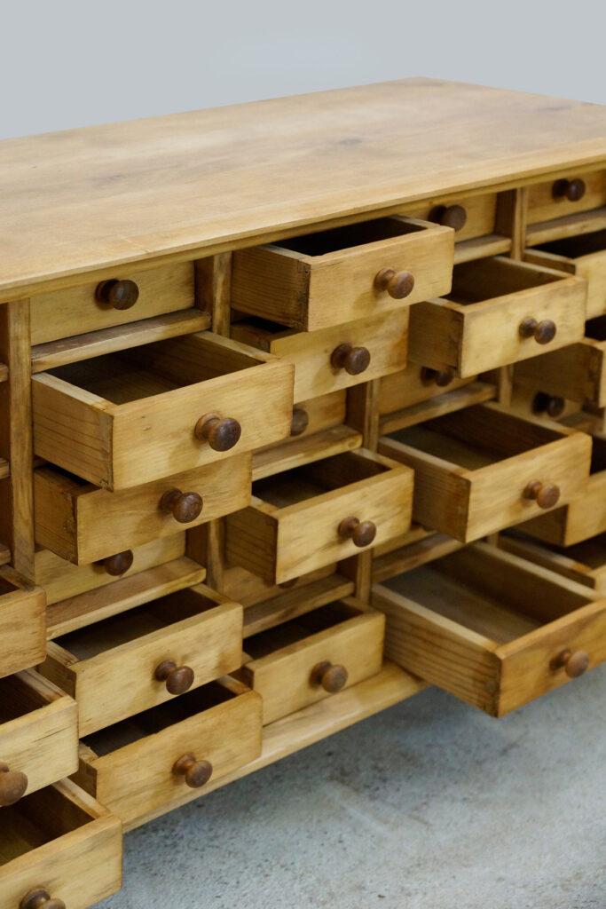 Kleiner Schubladenschrank / Schatullenschrank für Menschen mit Sammelleidenschaft ;-)